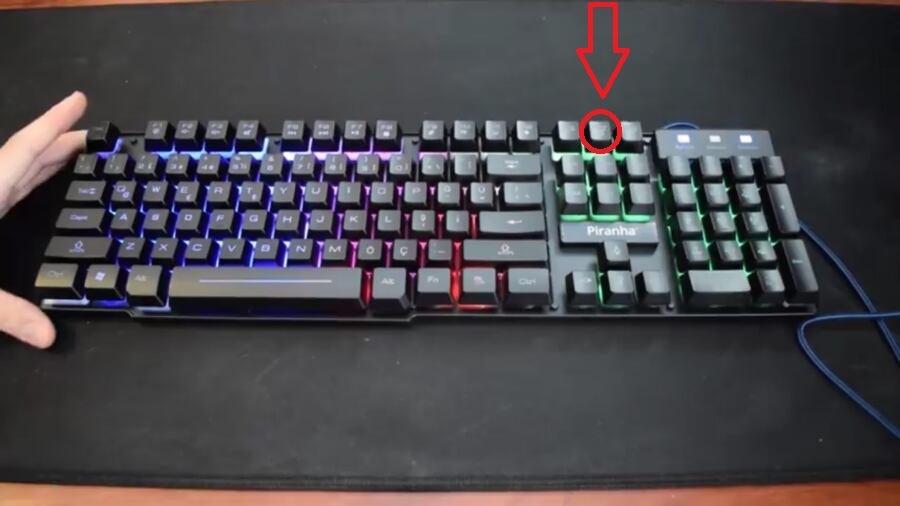 Piranha Klavye 2345 Işık Açma Tuşu Hangisi?